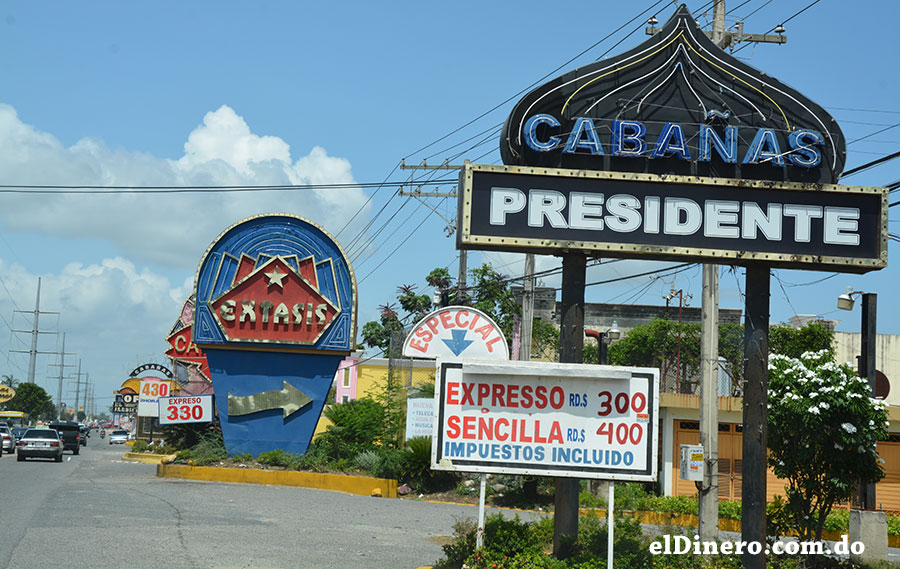 La competencia de precios es mucho más visible en las cabañas ubicadas en la autopista San Isidro.