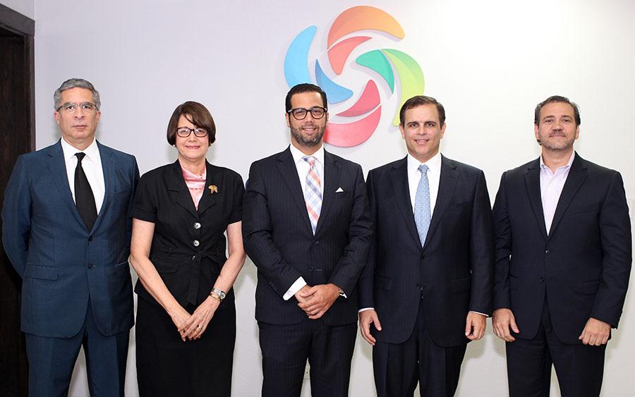 Luis Rafael Pellerano, Aura Celeste Fernandez, Manuel Luna, Jochi Vicente y Jordi Portet.