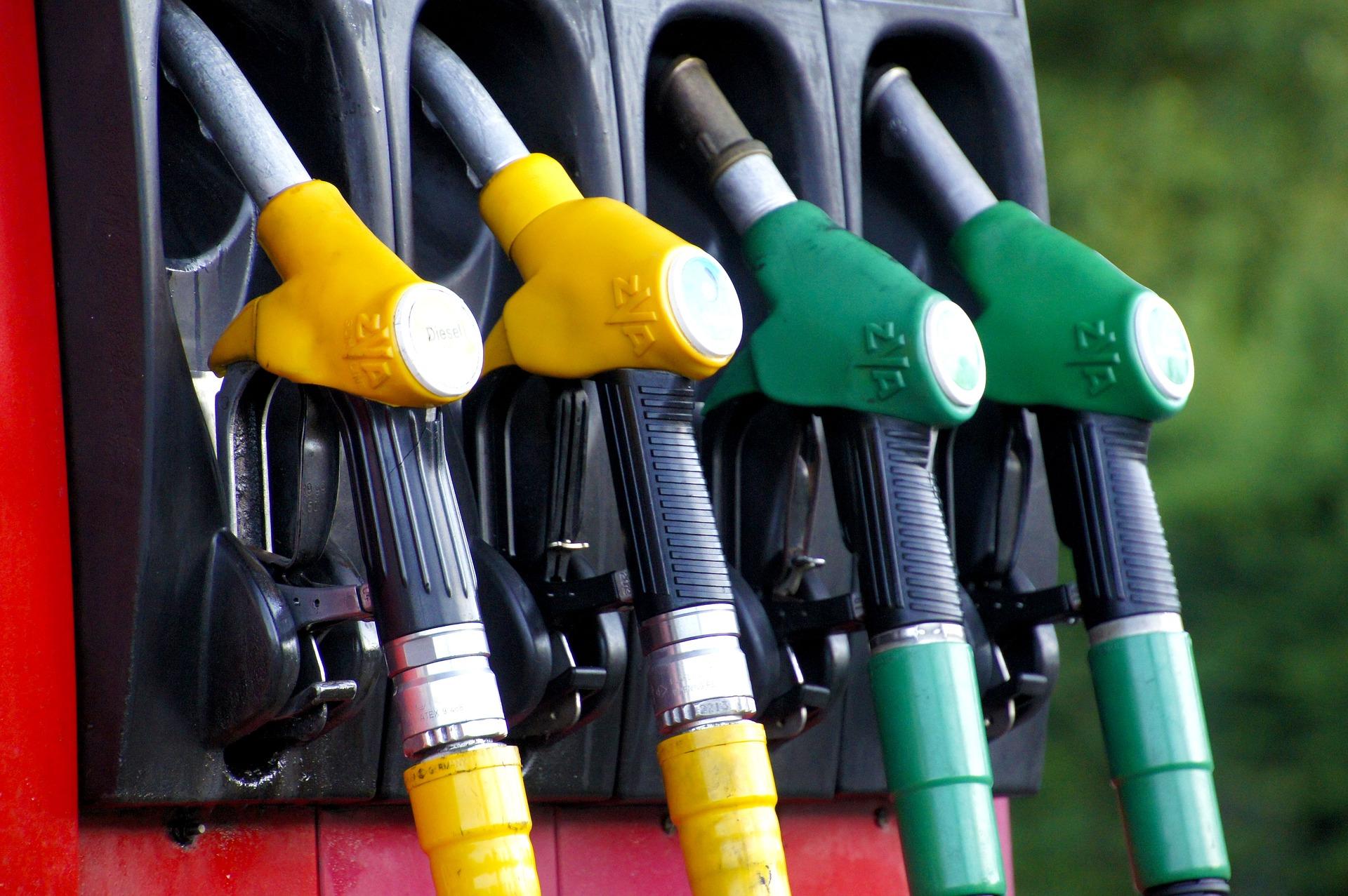 Gobierno destina RD$380 millones para evitar alza de combustibles
