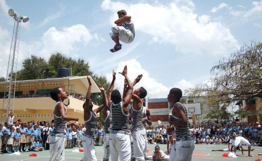 La práctica de deporte escolar es una de las actividades más sana en la vida de los estudiantes.