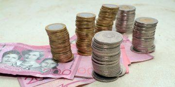 Durante los primeros cinco meses de 2021, mayo es donde se registra menos deuda a la banca privada.   Lésther Álvarez