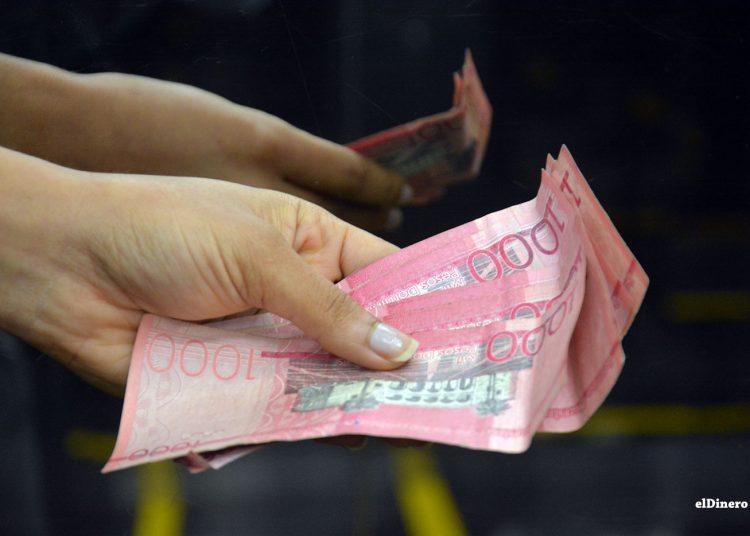 Este dinero extra puede servirle para empezar a saldar sus deudas pendientes o crear su base de ahorro. | Lésther Álvarez