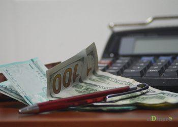 La apreciación del peso frente al dólar ha tenido efectos contradictorios en la economía.   Lésther Álvarez
