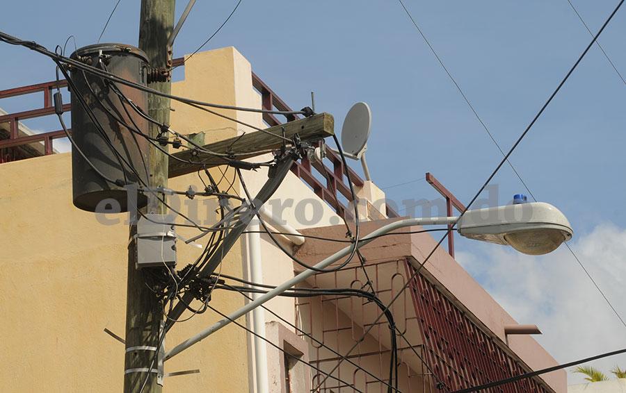 Las empresas distribuidoras de electricidad (EDE) no logran mejorar las cobranzas.