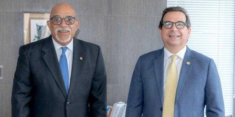 Francisco Melo Chalas, presidente de la junta de directores, y Gustavo Zuluaga Alam, vicepresidente ejecutivo.