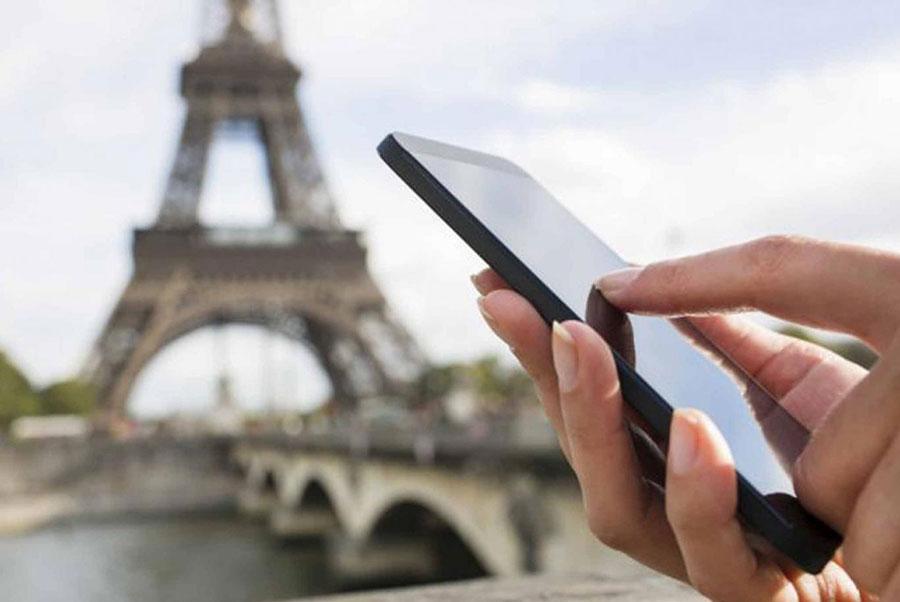 Según datos de costos del sector, una llamada en roaming saliente desde Estados Unidos cuesta alrededor de RD$44.78 en planes prepago y RD$26.87 en pospago. | Fuente externa
