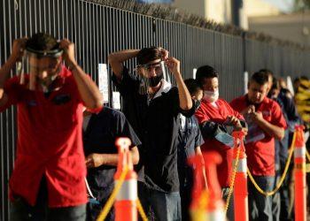 La reapertura de las industrias de la construcción, minería y automotriz incidieron en la recuperación económica y en el aumento de empleos.   Reuters.
