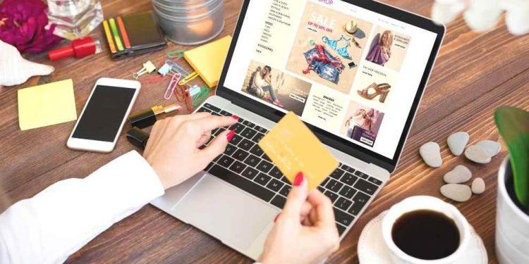 Un elemento que siempre se debe tomar en cuenta es dar prioridad a lo que se necesita sobre lo que se desea al momento de comprarlo.