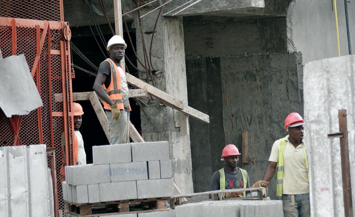 haitianos construccion