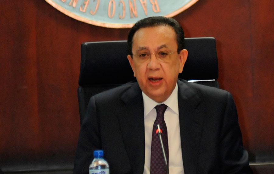 Héctor Valdez Albizu, confirmado gobernador del Banco Central.