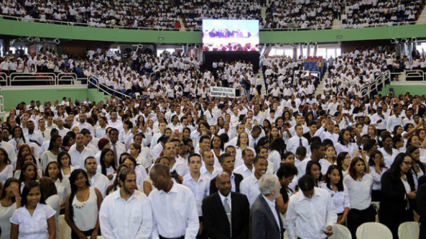 El año pasado se graduaron 9,000 estudiantes en el programa Inglés por Inmersión.