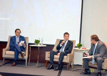 Víctor Bisonó, durante panel de preguntas con miembros de la ADEIC. | Lésther Álvarez