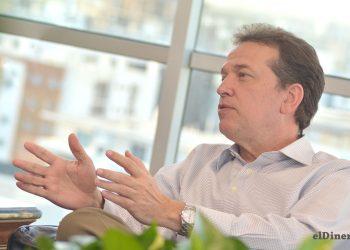 Víctor -Ito- Bisonó, ministro de Industria, Comercio y Mipymes, durante la entrevista para el periódico elDinero.