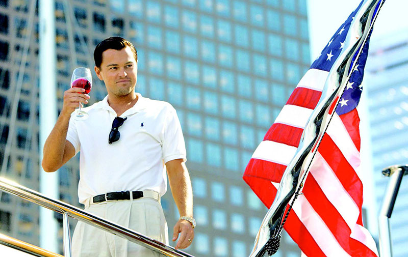 Leonardo DiCaprio es el protagonista de El Lobo de Wall Street, donde personifica a Jordan Belfort.