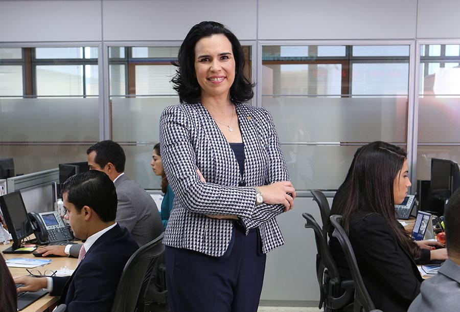 María Angélica Haza, vicepresidente del Área de Tesorería y Mercado de Valores del Banco Popular.