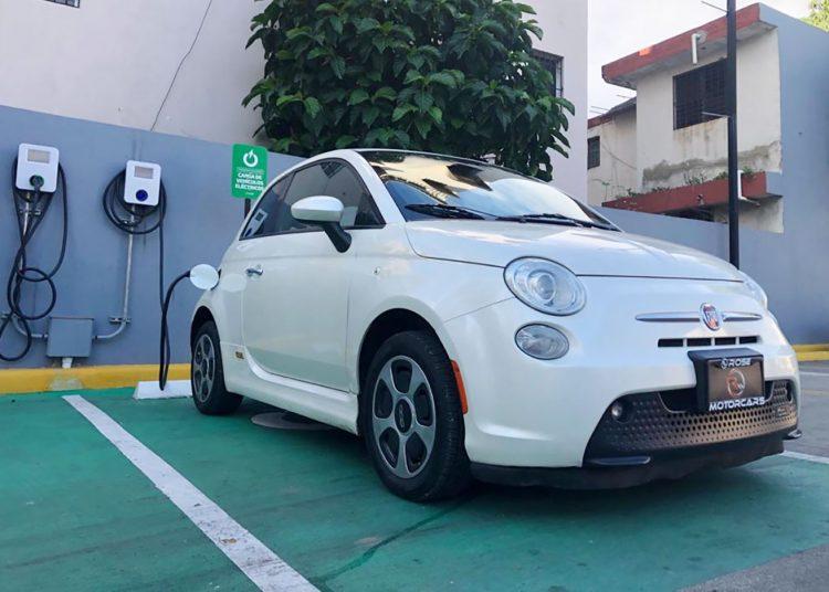 La SIE busca normar la calidad del servicio de la carga para los usuarios de vehículos eléctricos y el tema tarifario.   Fuente externa: Vehículos Eléctricos RD