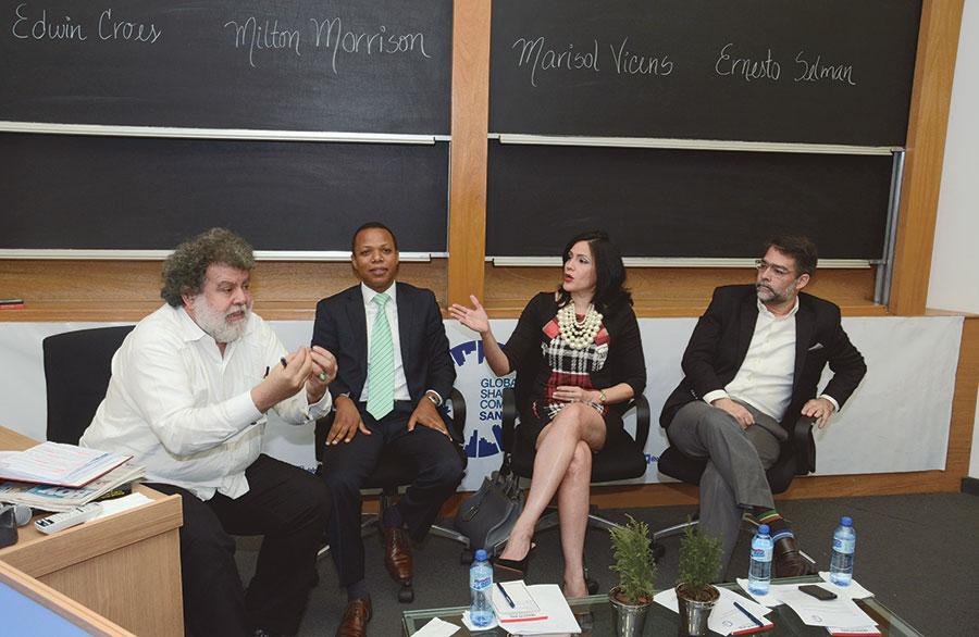 Edwin Croes, Milton Morrison, Marisol Vicens y Ernesto Selman durante el Foro de Global Shapers.