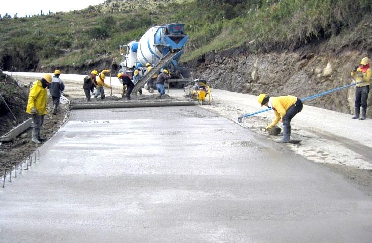 La pavimentación en cemento permite mayor durabilidad y reducción en el tiempo de frenado.