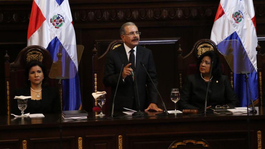 """""""Los dominicanos hemos recuperado la confianza en nosotros mismos, hemos recuperado el rumbo y ya nadie puede pararnos"""", dijo con énfasis el presidente de la República."""