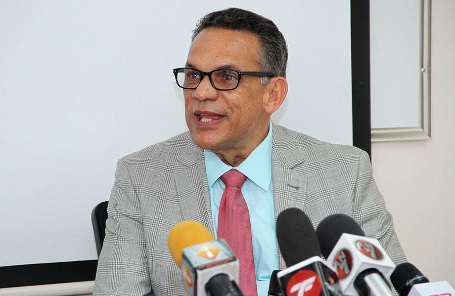 Ramón Ventura Camejo, ministro de Administración Pública.