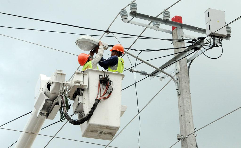 Las empresas distribuidoras de electricidad han visto aumentar sus pérdidas este año, por efectos del covid-19. | Archivo elDinero