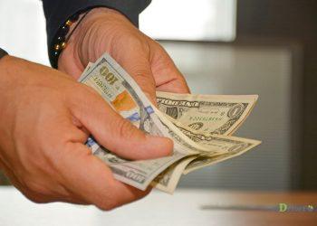 Un 18.2% se maneja vía los bancos y un 81.8% por las empresas de remesas. | Lésther Álvarez