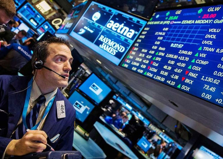 Wall Street cierra mixto. | Reuters.