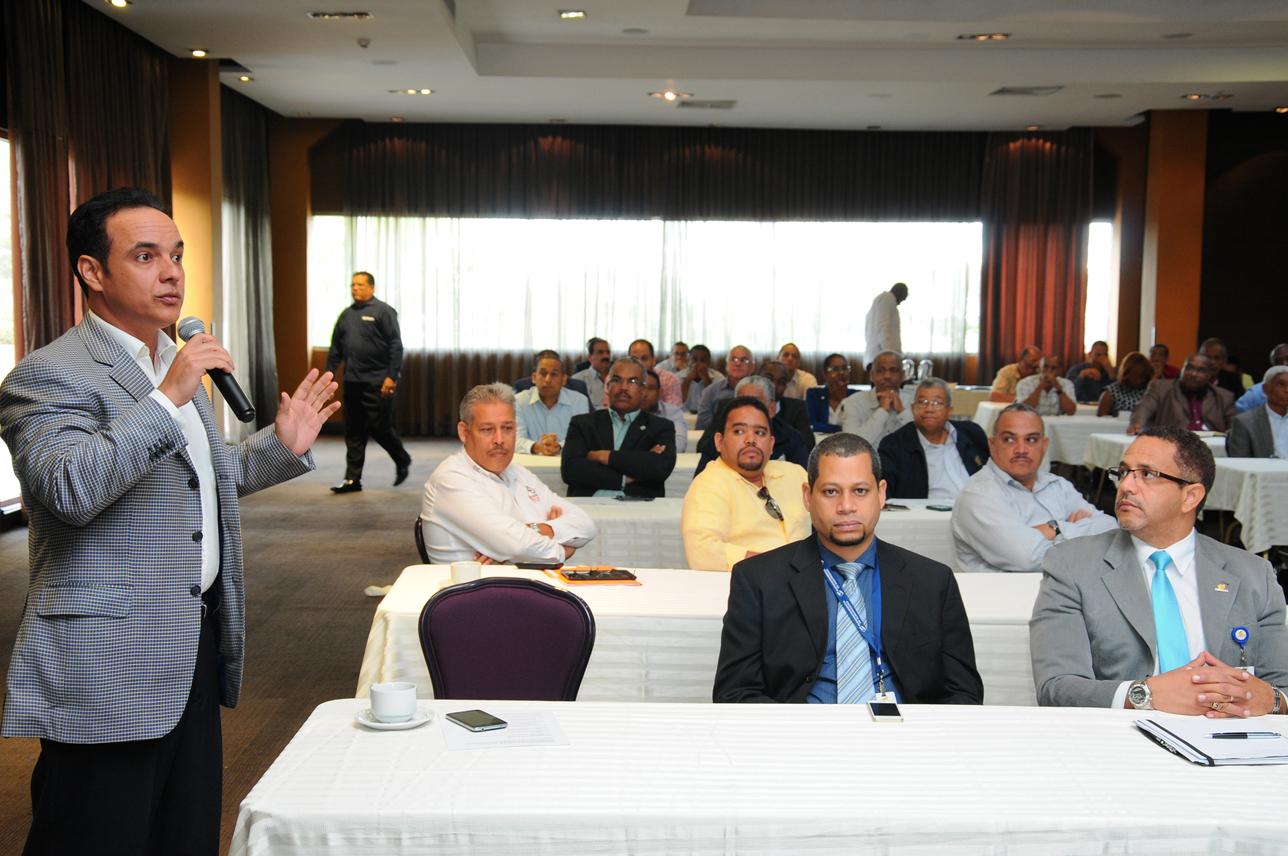 Los participantes de la audiencia pública organizada por la SIE expresaron sus opiniones sobre los nuevos reglamentos.