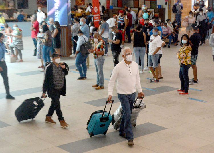 Turistas. En el primer trimestre entraron 256,782 visitantes extranjeros.