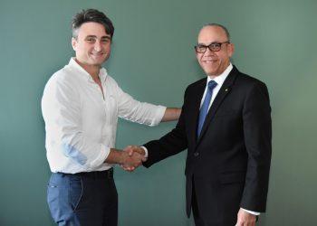 Rafael Monestina, presidente de Grupo Bravo y Fausto Pimentel, Presidente Ejecutivo del Banco Santa Cruz.