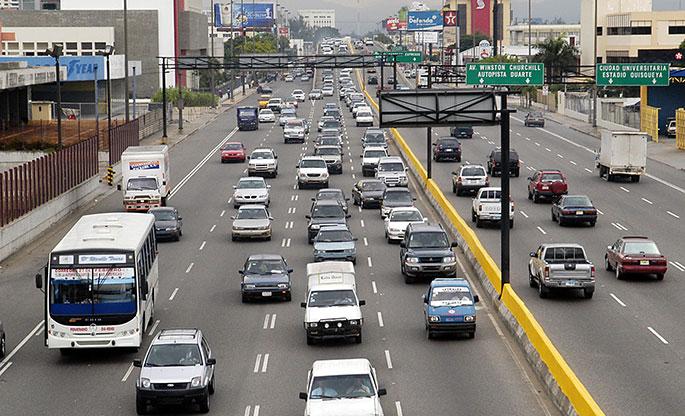 El 56% del parque vehicular dominicano es de autos con más de 15 años de fabricación