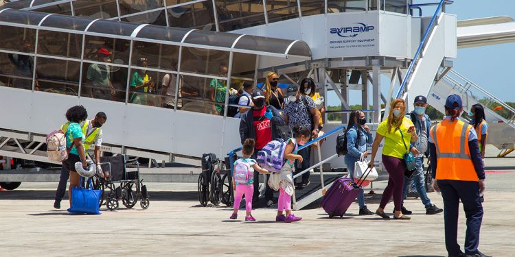 Con la reapertura del sector turístico, en julio 2021, República Dominicana recibió 563,987 pasajeros.