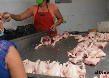 El pollo completo se comercializará a RD$125 en las bodegas móviles y locales de Inespre y del Ministerio de Agricultura.