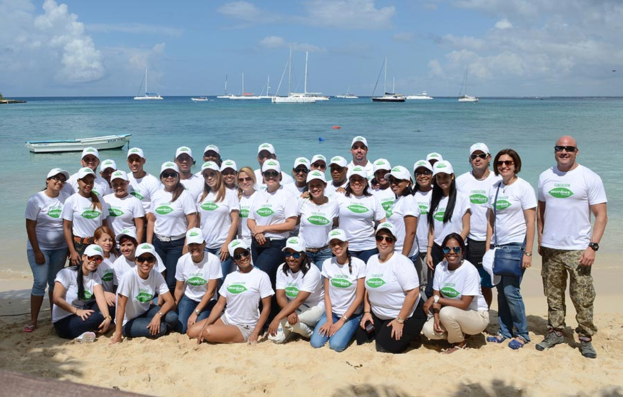 Empleados de Martí PG participaron en la construcción de diferentes tipos de vivero de corales, así como su instalación.