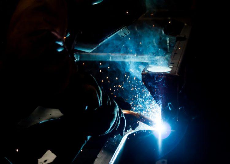 Producción industrial, Actividad industrial